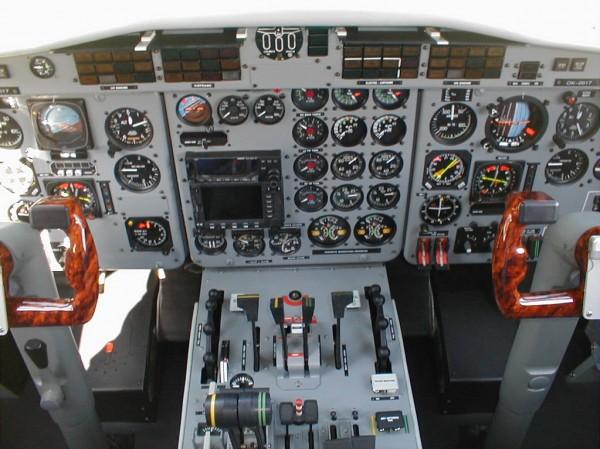 Kokpit letounu L 410