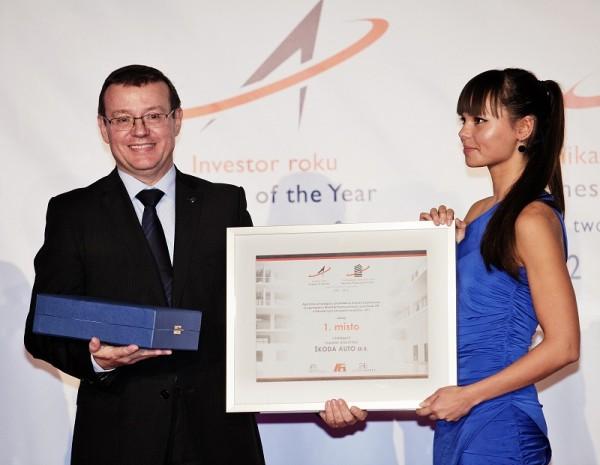 Cenu v rámci galavečera převzal za automobilku ŠKODA AUTO Bohdan Wojnar, člen představenstva za oblast personalistiky.