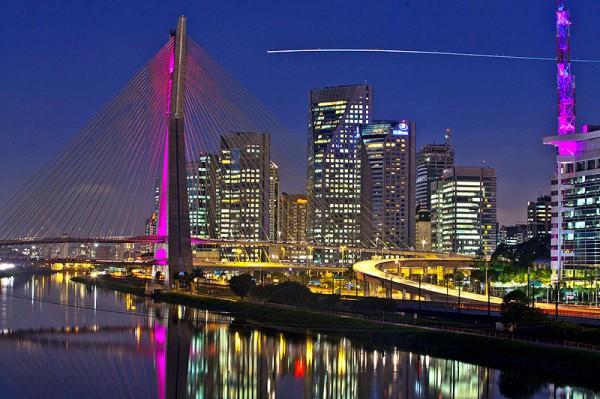 Most Octavio Frias v Brooklynu ve městě Sao Paulo. Foto: RobertoZimme