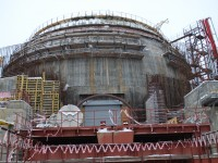 Výstavba reaktoru zblízka. Foto: Jakub Střihavka