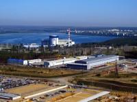 Novovoroněžská jaderná elekrárna 1. V pozadí město Novovoroněž.
