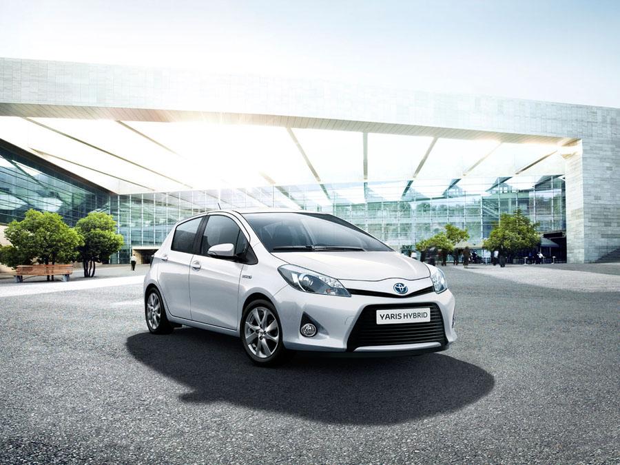 Toyota Yaris Hybrid: Tichý vůz s nízkou spotřebou.