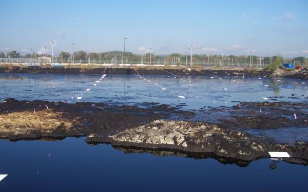 Zajištění laguny před ptactvem. Foto: Geosan Group