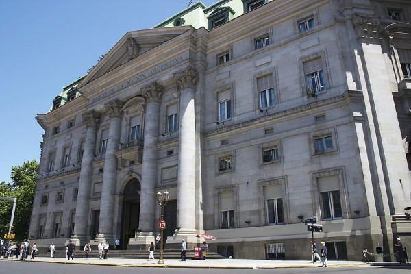 Národní banka Argentiny - ústředí a pobočka PLaza de Mayo v Buenos Aires
