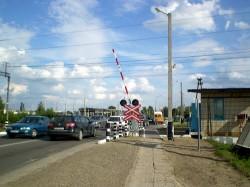 Běloruský železniční přejezd. Ilustrační snímek