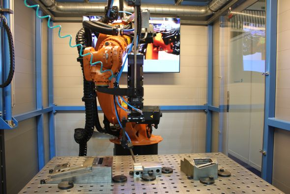 Robot sloužící na laserové svařování, pájení, kalení či 3D řezání. Disponuje speciální mobilní laserovou buňkou Weld 2 Go. Foto: Markéta Gojná