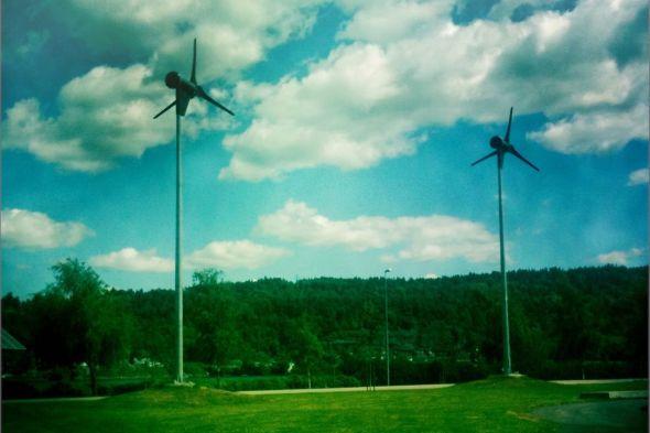 Výroba energie z větru patří mezi přirozené způsoby využívání obnovitelných zdrojů. Zdroj: Pixmac.cz