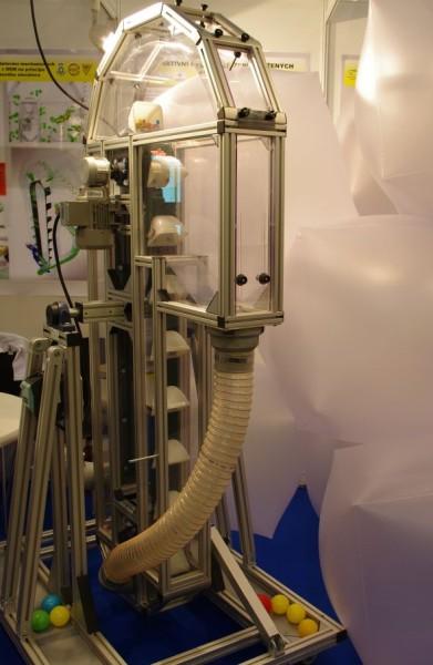 Validační korečkový elevátor