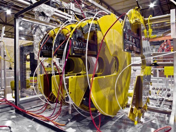 Jedna z částí detektoru TOTEM, který patří mezi experimenty Velkého hadronového urychlovače. Zdroj: CERN