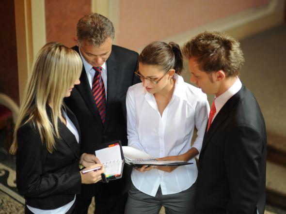 Zástupci českých podniků se mohou do soutěže HSBC Grant registrovat od 15. listopadu 2013 do 15. února 2014. Zdroj: Pixmac.cz