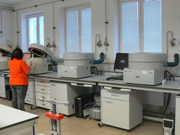 Elektrárna Hodonín disponuje novým technologickým zázemím pro vzorkování a analýzu biomasy. Zdroj: ČEZ