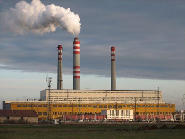 Největší pokles zaznamenala výroba a rozvod elektřiny, plynu, tepla a klimatizovaného vzduchu. Zdroj: ZAT