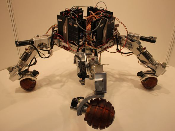Projekt robotického podvozku určeného pro invalidní vozík. Foto: Markéta Gojná