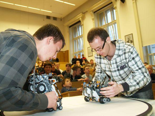 Finále pátého ročníku Robosoutěže se uskuteční na půdě Fakulty elektrotechnické ČVUT. Zdroj: ČVUT