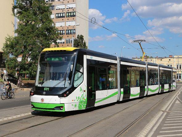 První z tramvají pro maďarské město Miscolc jsou již na místě a mohou vozit své cestující. Zdroj: Škoda Transportation