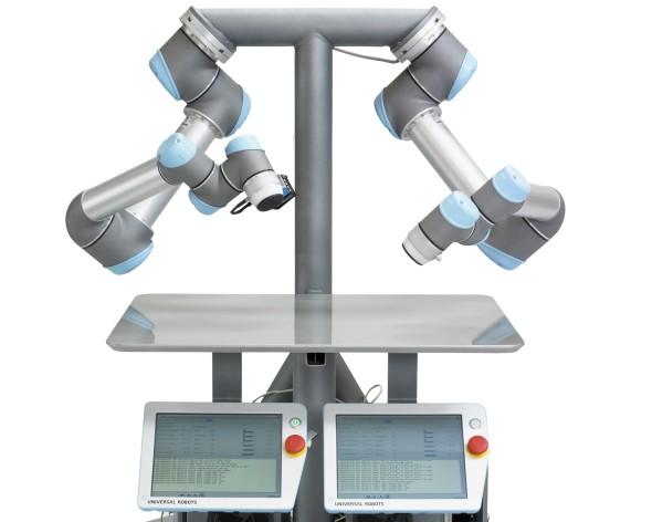 Jedním z robotů, který dokáže bezpečně pracovat bok po boku s operátory, je robotická ruka od Universal Robots