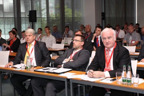 Strojírenské fórum 2014, zleva Petr Zemánek (SST), Martin Pospíšil (MPO), Vladimír Novák (SST)