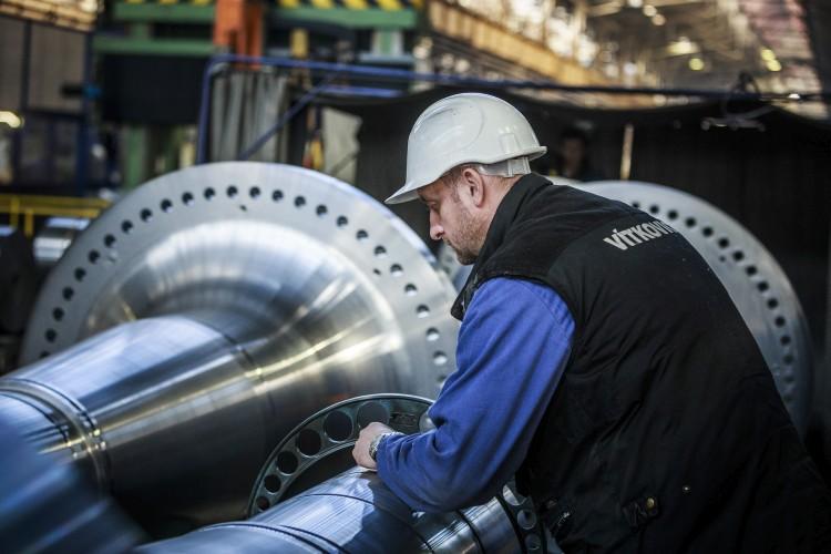 Zaměstnancům dělnických profesí se ve Vítkovice Machinery Group od července zvýší platy nejvíce za několik posledních let. Foto: Vítkovice Machinery Group