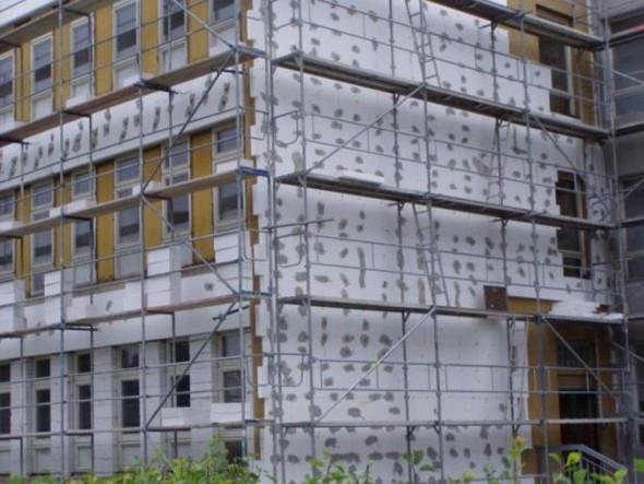 Fasádní zateplovací systémy prospívají domu nejen před nežádoucími úniky tepla, ale mají také řadu dalších technických a ekonomických výhod. Foto: Zatepleni.com