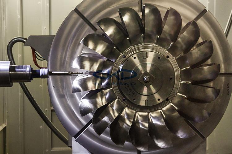 Obrábění lopatek oběžného kola Francisovy turbíny. Foto: ČKD Blansko