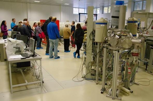 Pohled do jedné z laboratoří ÚJV v Řeži při dnu otevřených dveří. Foto: ÚJV Řež