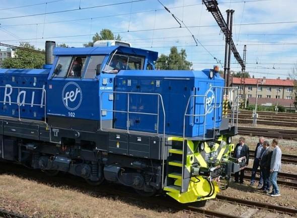 Lokomotiva 774.713 představuje jubilejní 100. modernizací šestinápravové lokomotivy v CZ Loko a byla určena pro finskou společnost Fennia Rail. Foto: CZ Loko