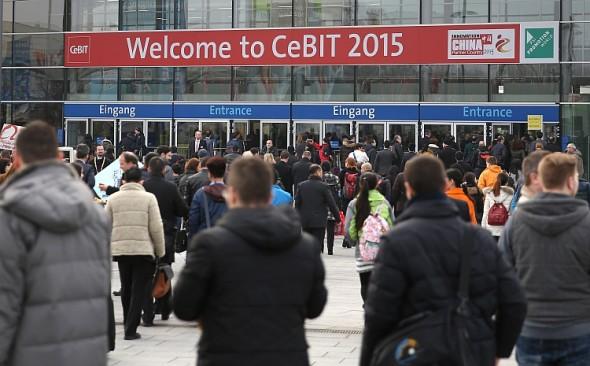 Zájem lidí o CeBIT v průběhu let neopadává. Je to důsledkem pružné reakce pořadatelů, Hannover Messe, na požadavky trhu a atraktivní témata, která dokážou přitáhnout nové návštěvníky a vystavovatele. Foto: Hannover Messe
