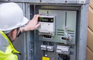 Instalace chytrého měřiče spotřeby. Foto: Ericsson