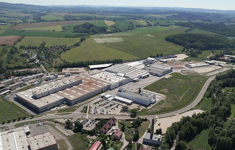 Závod Škoda Vrchlabí získal ocenění 'Továrna roku 2015/Global Excellence in Operations (GEO)' v kategorii 'Vynikající rozvoj výrobního závodu'. Ve Vrchlabí vyrábí Škoda od roku 2012 moderní převodovku s přímým řazením DQ 200. Foto: Škoda Auto