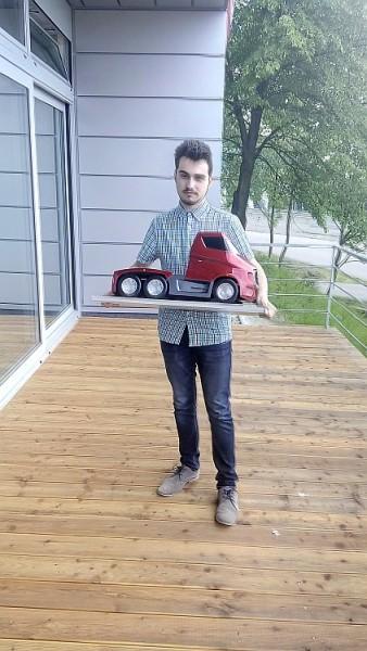 Vítěz kategorie SŠ Milan Láník s modelem Tatra Mirage. Foto: Tatra Trucks