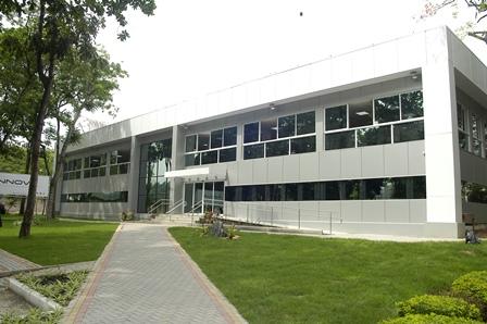 Administrativní budova neziskové nadace Fotec, Brazílie. Foto: Touax