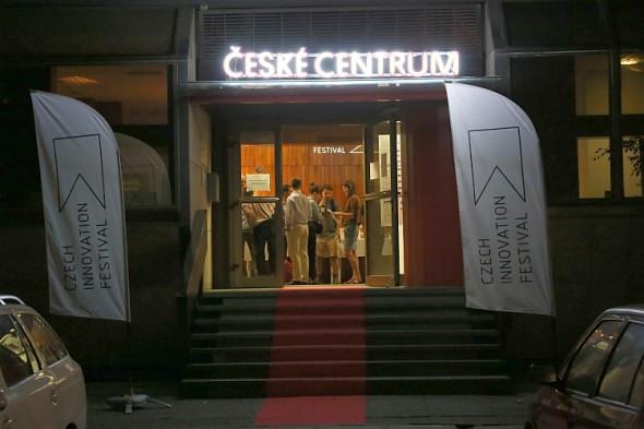 Vchod na festival. Zdroj: Česká centra