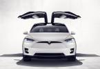 Tesla model X. Zdroj: tesla.com